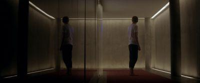 Still from Ex Machina (2014) that has been tagged with: mirror