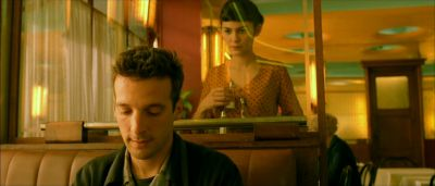 Still from Amelie (2001) that has been tagged with: diner