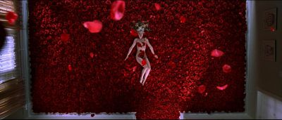 Still from American Beauty (1999) that has been tagged with: top-down