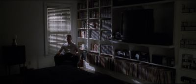 Still from American Beauty (1999) that has been tagged with: blinds