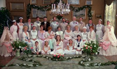 Still from Fanny and Alexander (1982) that has been tagged with: group-shot