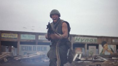 Still from Full Metal Jacket (1987) that has been tagged with: shooting