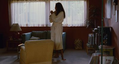 Still from Jackie Brown (1997) that has been tagged with: smoking