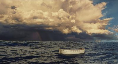 Still from Life of Pi (2012) that has been tagged with: horizon