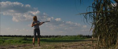 Still from Looper (2012) that has been tagged with: gun