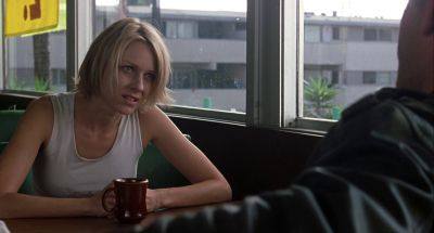 Still from Mulholland Drive (2001) that has been tagged with: medium shot