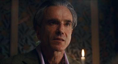 Still from Phantom Thread (2017) that has been tagged with: candlelight