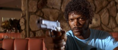 Still from Pulp Fiction (1994) that has been tagged with: gun