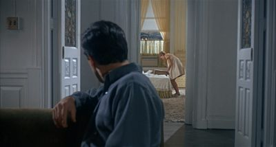 Still from Rosemary's Baby (1968) that has been tagged with: medium shot